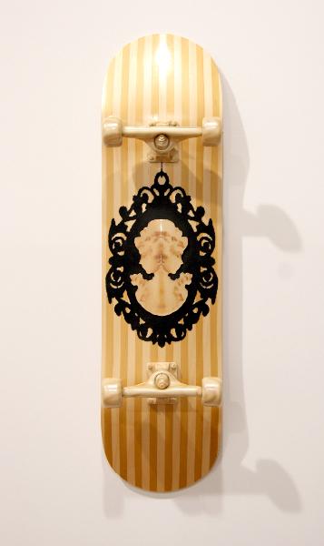jud-wimhurst-boneless-primitive-2012-wood-polyurethane-resin-epoxy-resin-flocking-and-acrylic-lacquers-106-x-28-x-18-5cm