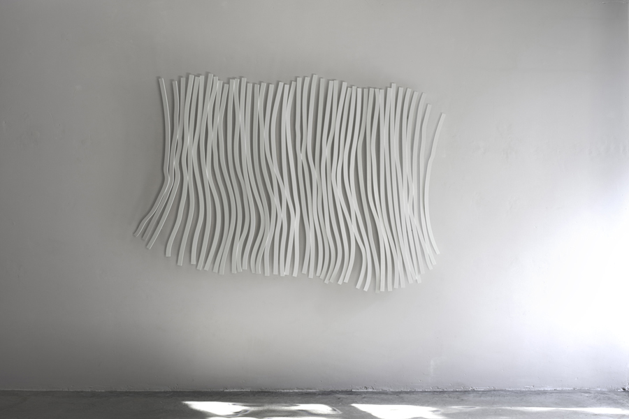 8. 'Vibrations III', painted stainless steel, 180 x 170 x 20 cm, 2015