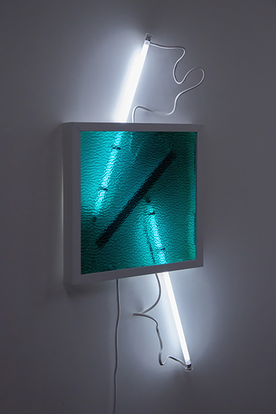 Meagan Streader, Reflex, 2019<br/>Ripple Glass, white moulding, Fluorescent lights and electronic components, 100 x 50 x 7 cm (approx)